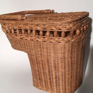 Wicket Step Stair Basket with Handle Beads Country
